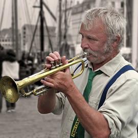 Inge Riis McDonald - Jazz Musician