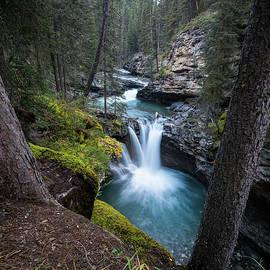 Johnston Canyon Waterfall - James Udall