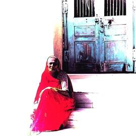 Sue Jacobi - Just Sitting Sun Kissed Blue City India Rajasthan 4a