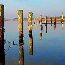 Bob Cuthbert - Keep Off Dock