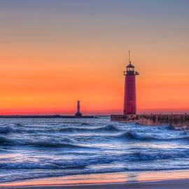 Dale Kauzlaric - Kenosha Lighthouse Dawn