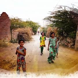 Sue Jacobi - Kids on the Street Indian Village Rajasthani 1