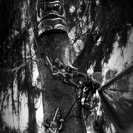 Sharon Mau - Kii - Tiki and Moo Wood Carvings Kihei Maui Hawaii