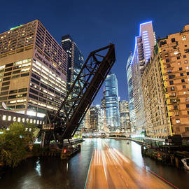 Juli Scalzi - Kinzie Bridge in Chicago