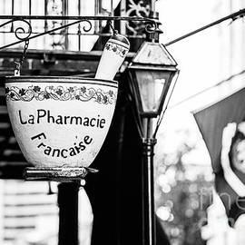Scott Pellegrin - La Pharmacie Francaise