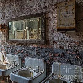 Izet Kapetanovic - Ladies restroom in abandoned mill