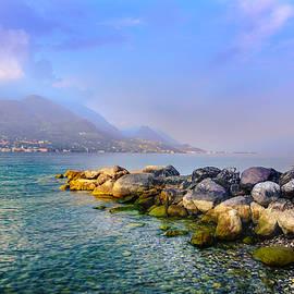 Dmytro Korol - Lago di Garda. Stones