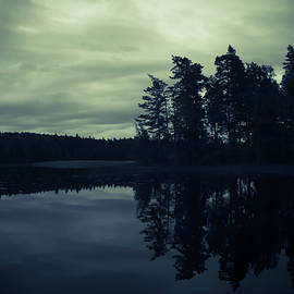 Nicklas Gustafsson - Lake by Night