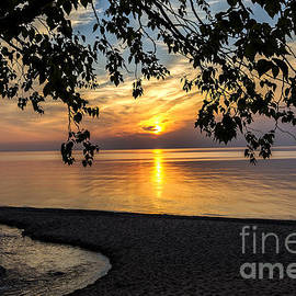 Amie Lucas - Lake Superior and the Setting Sun
