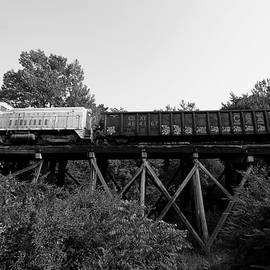 Joseph C Hinson Photography - Lancaster and Chester EMD SW900 92 Black and White
