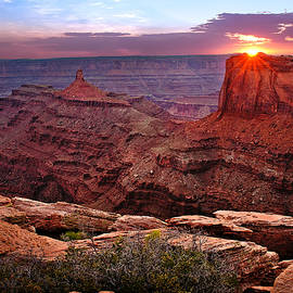 Renee Sullivan - Last Light at Dead Horse Point