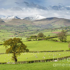 Justin Foulkes - Late spring snow on the peaks of the Brecon Beacons National Park, Wales.