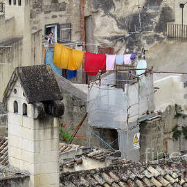 Jennie Breeze - Laundry Day in Matera.Italy