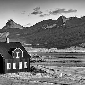 Liran Eisenberg - Life at Iceland black and white