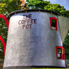 Michael Mazaika - Lincoln Highway Heritage Corridor - The Coffee Pot in Bedford Pennsylvania