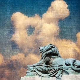 Alice Gipson - Lion In The Clouds