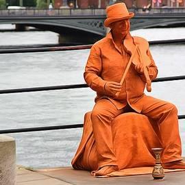Sergey Lukashin - Living statue