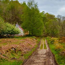 AGeekonaBike Photography - Loch Oich Cottage