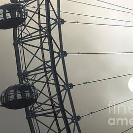 Marcin Rogozinski - London Eye 3