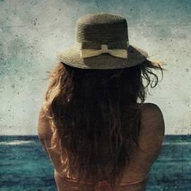 Vittorio Chiampan - Looking at the horizon