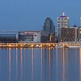 Frozen in Time Fine Art Photography - Louisville Stretches Out