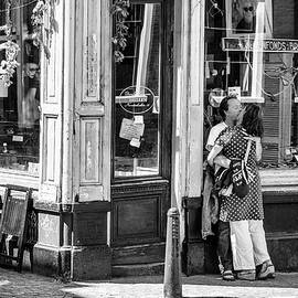 Paul Donohoe - Lovers at the Shop Window
