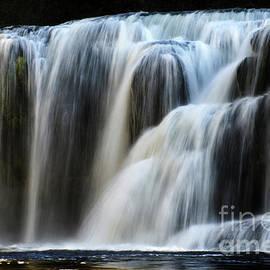 Bob Christopher - Lower Lewis Falls 4