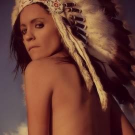 Wendy Martinez - Luminary