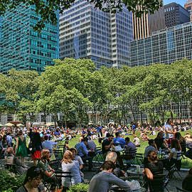 Allen Beatty - Lunchtime in Bryant Park