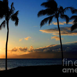 Sharon Mau - Mai ka aina Mai ke kai Kaanapali Maui Hawaii