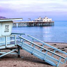 Jerry Cowart - Malibu Beach Lifeguard Tower And Pier