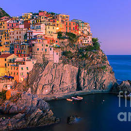 Henk Meijer Photography - Manarola is one of the five towns that make up the Cinque Terre