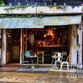 Stuart Row - Manhattan Bar