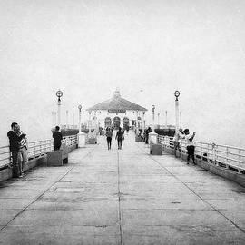 Glenn McCarthy Art and Photography - Manhattan Beach Pier In Black and White