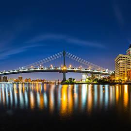 Mihai Andritoiu - Manhattan Bridge at dawn