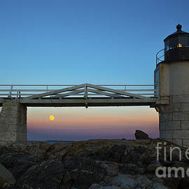 Diane Diederich - Marshall Point Lighthouse with Full Moon
