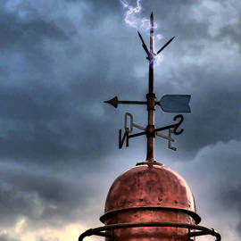 Pedro Cardona - Menorca copper lighthouse dome with lightning rod under a bluish and stormy sky and lightning effect