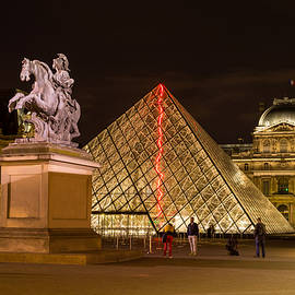 Sinisa CIGLENECKI - Midnight in Louvre Museum, Paris