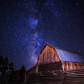 Vishwanath Bhat - Milky Way over Mormon Row Barn in GTNP