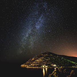 Jaroslaw Blaminsky - Milky Way over Prapratno Bay