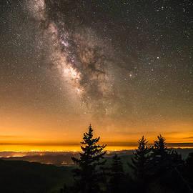Serge Skiba - Milky Way Over The Blue Ridge Mountains