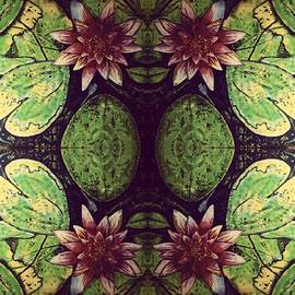 Michael African Visions - Mirrored living water lilly