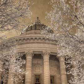 Jane Linders - Missouri State Capitol Jefferson City Infrared
