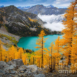 Inge Johnsson - Misty Colchuck Lake