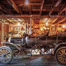 Debra and Dave Vanderlaan - Model T Ford