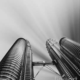 Stefano Senise - Modern skyscraper black and white