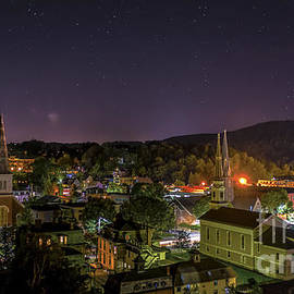 New England Photography - Montpelier At Night.