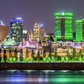 Csaba Demzse - Montreal panorama night skyline