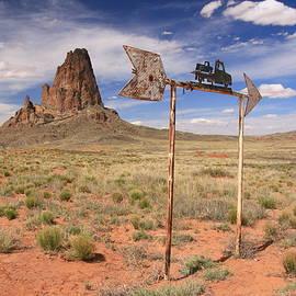 Allen Beatty - Monument Valley 23 - That Way