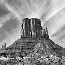 Mike McGlothlen - Monument Valley - Left Mitten 2bw